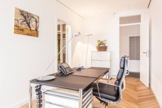 Hire work space in Hamburg Centre, that is fully equiped