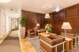 Rent office in Hamburg with full service reception