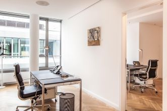 Lease couple office in Hamburg
