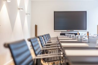 Rent conference rooms in Hamburg for large audience