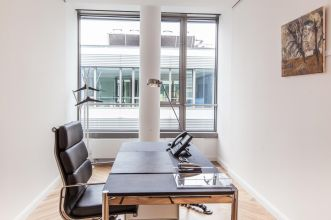 Rent office with high quality interior in Hamburg