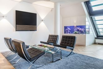 Hire office in the centre of Hamburg with a view on the alster