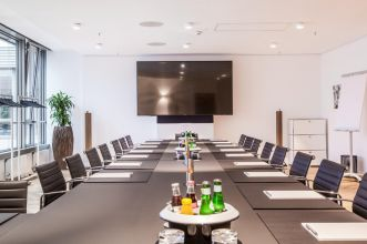 Lease meeting room in Hamburg with full service