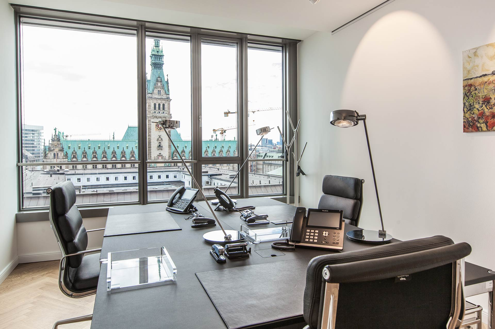Rent team office with great view of the Hamburg City Hall
